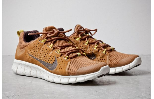 Nike Free Powerlines+ II Almond Brown 2