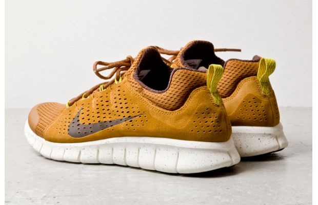 Nike Free Powerlines+ II Almond Brown 3