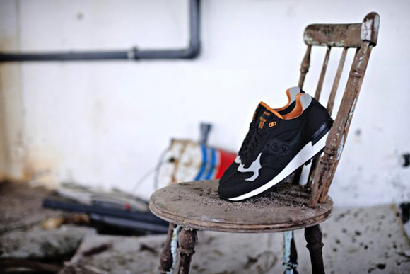 Solebox x Saucony Shadow 5000 The Lucanid 03