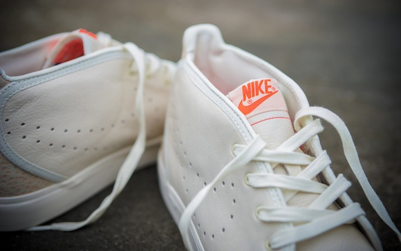 Urban Safari Pack Size Nike Air Max Light Toki 8
