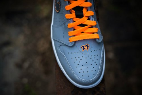 air-jordan-1-93-wolf-grey-cool-grey-bright-citrus-deep-royal-blue-new-images-4