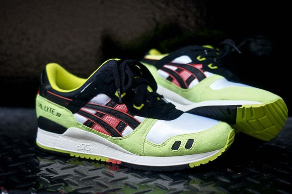 Detailed Look Asics Gel Lyte III Neon