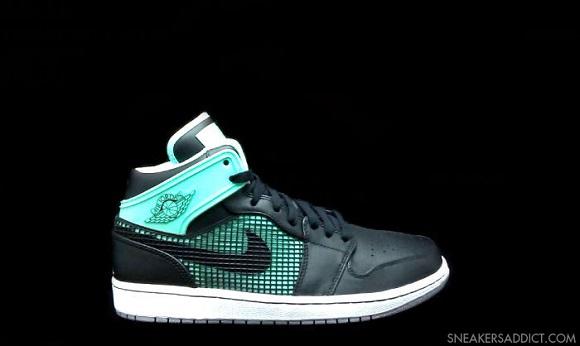 First Look Air Jordan I 1 89 Green Glow