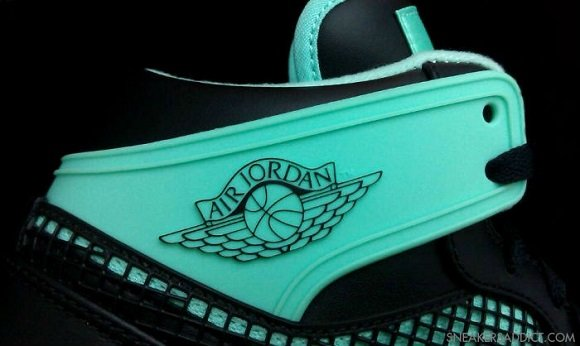 First Look Air Jordan I 1 89 Green Glow