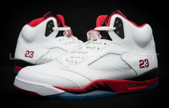 Image Update Fire Red Air Jordan V