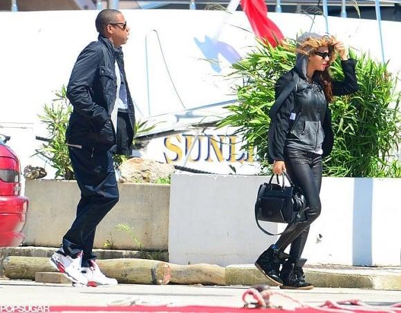 Jay Z Rocks The Air Jordan VIII 8 Retro Bugs Bunny In France