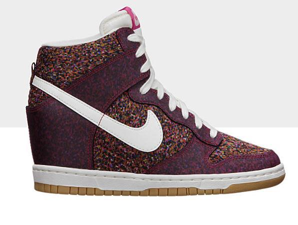 liberty-nike-wmns-dunk-sky-high-pink-force-sail-gum-yellow-now-available