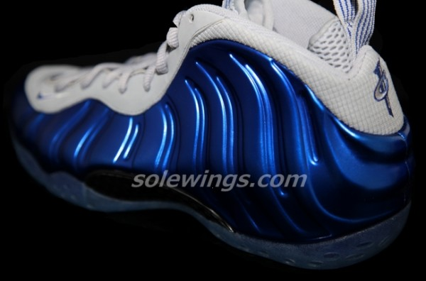 nike-air-foamposite-one-sport-royal-wolf-grey-new-images-1