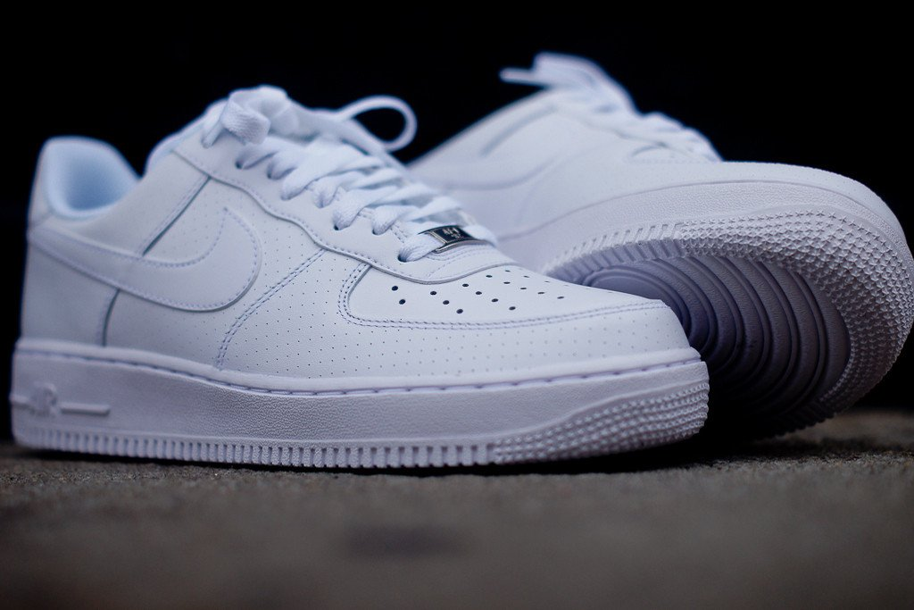 nike air force 1 low 39 white microperf 39 sneakerfiles. Black Bedroom Furniture Sets. Home Design Ideas