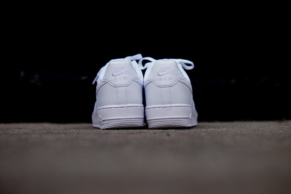 nike-air-force-1-low-white-microperf-6
