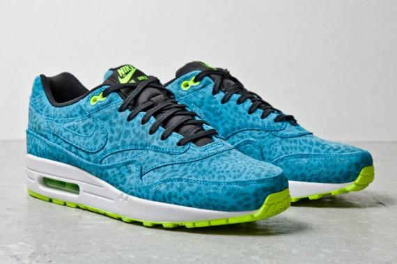 nike-air-max-1-fb-blue-leopard-1