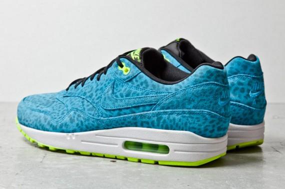 nike-air-max-1-fb-blue-leopard-3