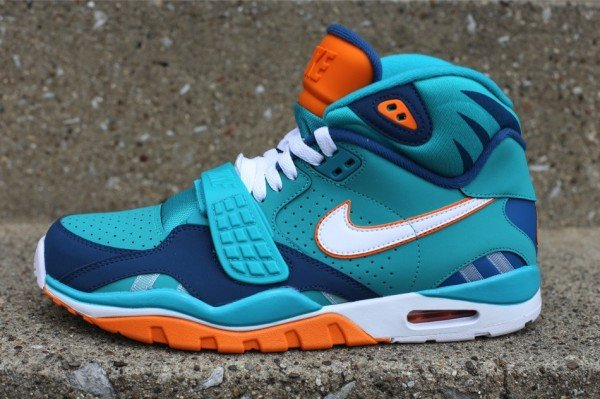 nike-air-trainer-sc-ii-qs-miami-dolphins-1