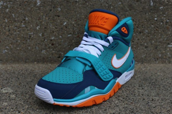 nike-air-trainer-sc-ii-qs-miami-dolphins-2