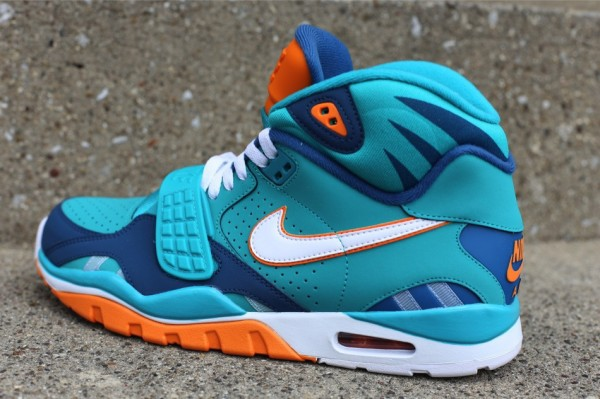 nike-air-trainer-sc-ii-qs-miami-dolphins-3