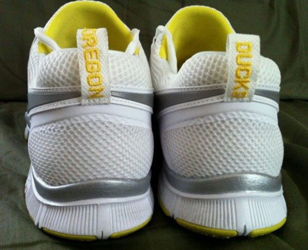 nike-free-trainer-5.0-oregon-ducks-1