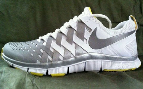 nike-free-trainer-5.0-oregon-ducks-2