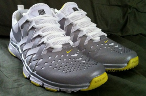 nike-free-trainer-5.0-oregon-ducks-3