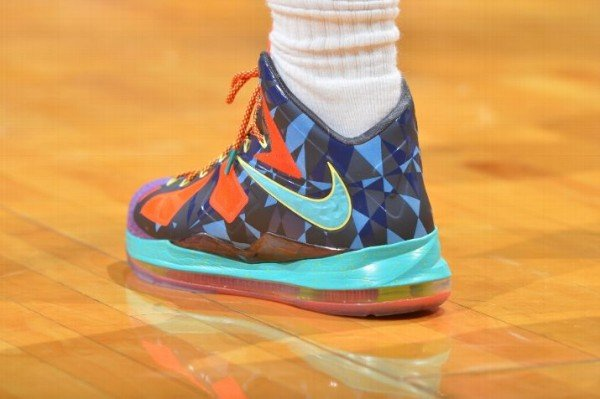 nike-lebron-x-10-mvp-on-foot-images-3