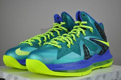 nike-lebron-x-10-ps-elite-sport-turquoise-volt-violet-force-3