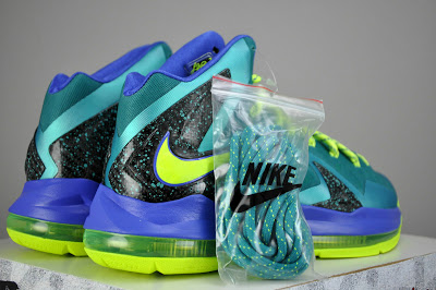 nike-lebron-x-10-ps-elite-sport-turquoise-volt-violet-force-5