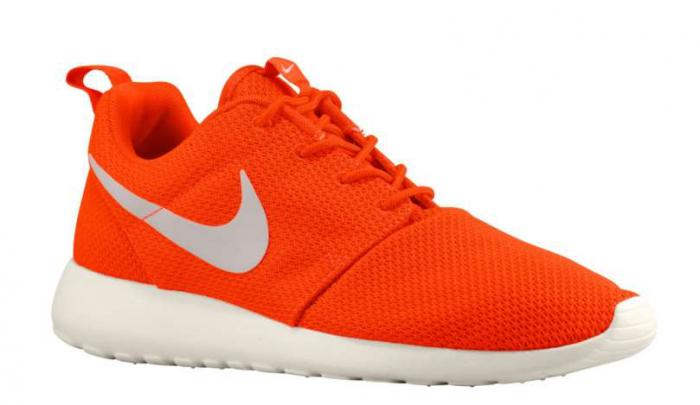 nike-roshe-run-total-crimson-gamma-grey-sail-now-available