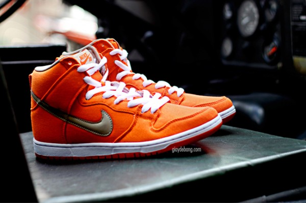 nike-sb-dunk-high-pro-orange-canvas-2