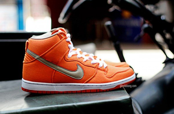 nike-sb-dunk-high-pro-orange-canvas-3