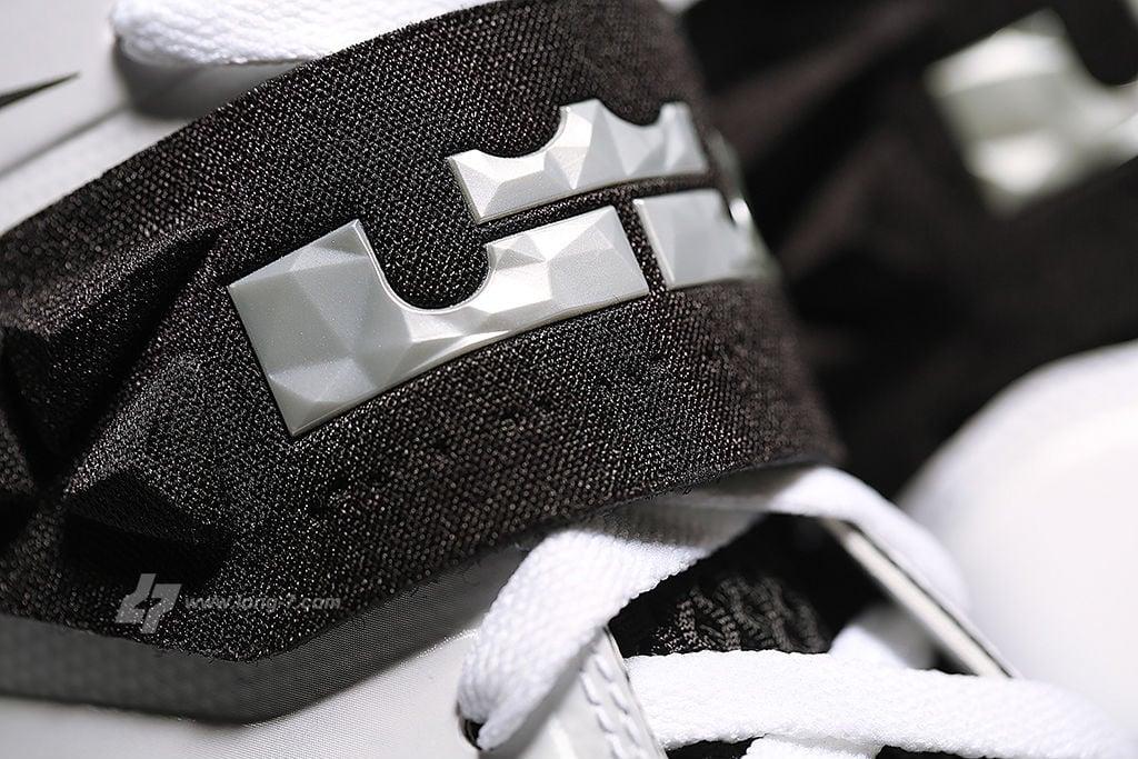 nike-zoom-soldier-white-black-metallic-silver-12