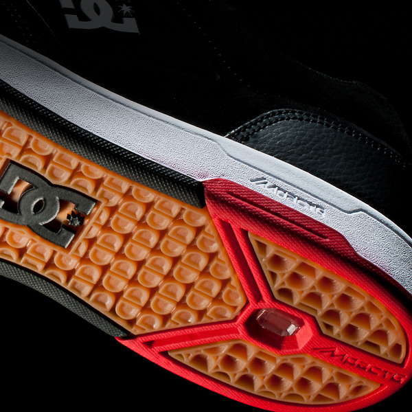 nyjah-huston-to-recieve-first-signature-shoe-from-dc-preview-3