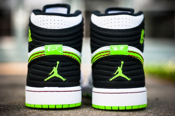 Release Reminder Air Jordan 1 93 Playoffs Electric Green