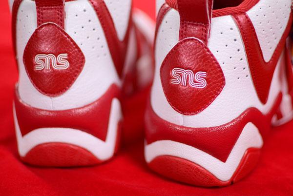 sneakersnstuff-reebok-kamikaze-ii-mid-1