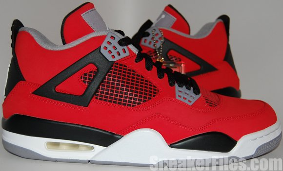 Toro Red Air Jordan 4 (IV) Retro 2013 Epic Look