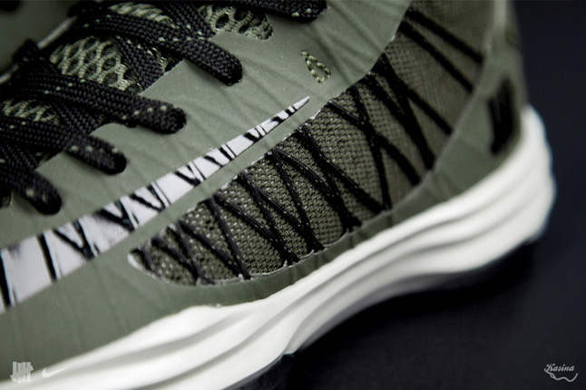 undftd-nike-bring-back-2003-pack-final-detail-look-4