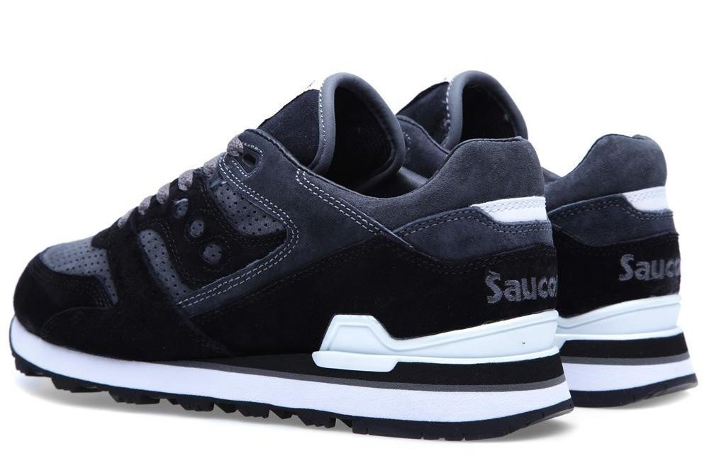 550930cd292e White Mountaineering x Saucony Courageous  Black Charcoal ...
