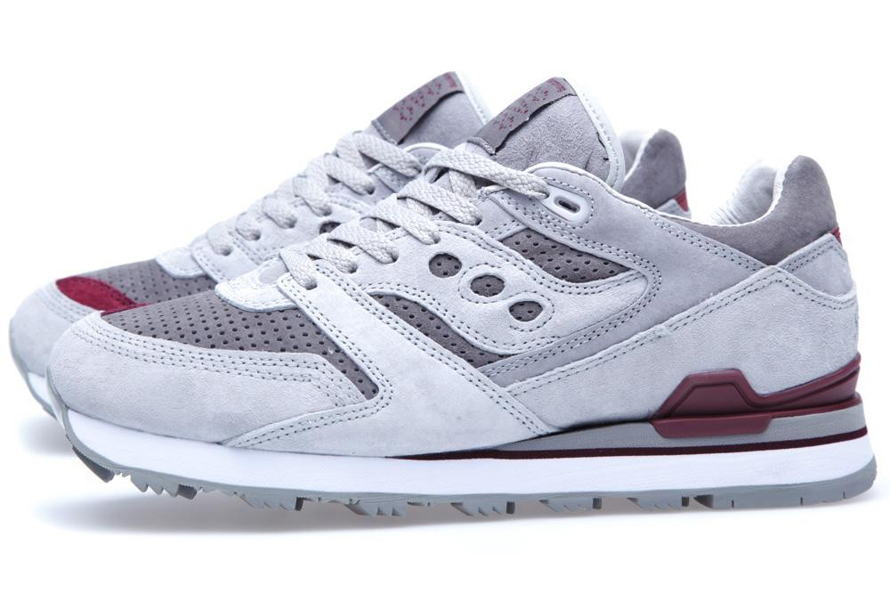 white-moutaineering-saucony-courageous-grey-dark-red-1