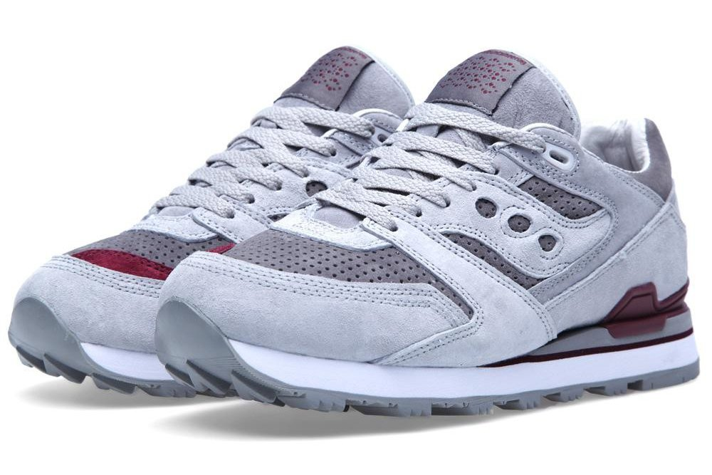 white-moutaineering-saucony-courageous-grey-dark-red-2