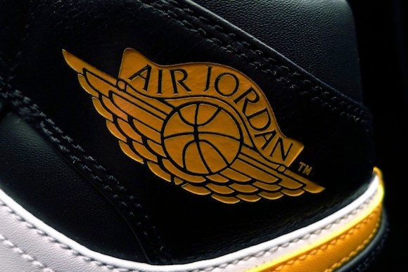 Air Jordan 1 Mid Sonics New Release