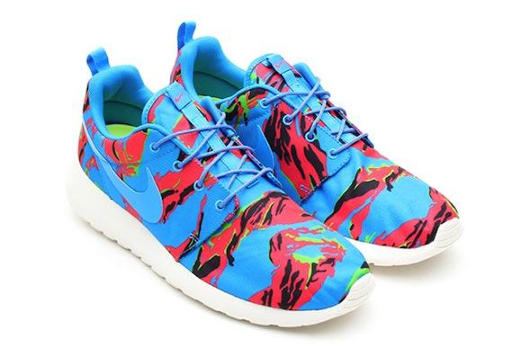 new product b1d92 eed16 Hawaiian Camo Nike Roshe Run New Release