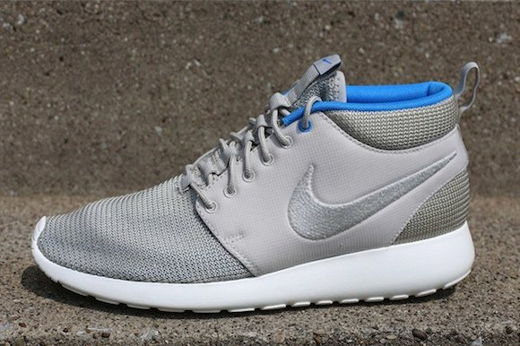 online retailer 2a9d5 b7449 Nike Roshe Run Mid Summer Pack Now Available
