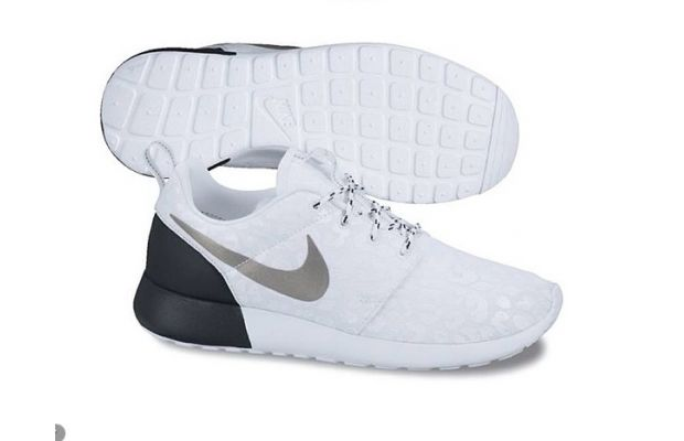 Nike Roshe Run Premium White/Black | SneakerFiles,CEZIZSG959,Nike Roshe Run Premium White Black