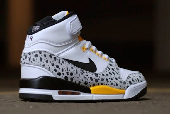 Safari Nike Air Revolution