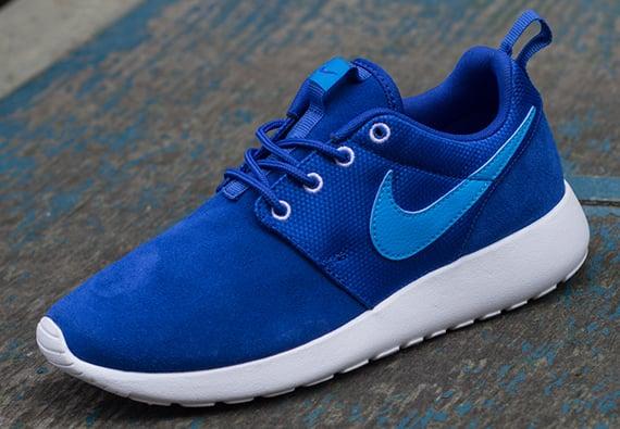 Available for Pre Order Nike Roshe Run GS