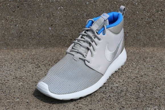 Available Now Nike Roshe Run Mid Mortar