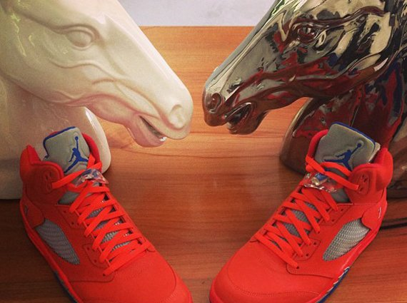 Carmelo Anthony Shows Off His Air Jordan V Melo
