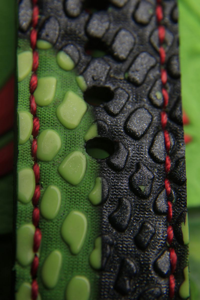 custom-sneaker-watch-inspired-by-nike-kobe-vi-6-grinch-3