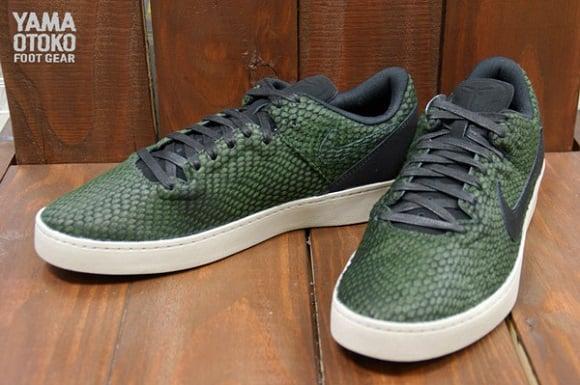"Detailed Look  Nike Kobe 8 NSW Lifestyle LE ""Green Snake"" fc8c11013f1f"