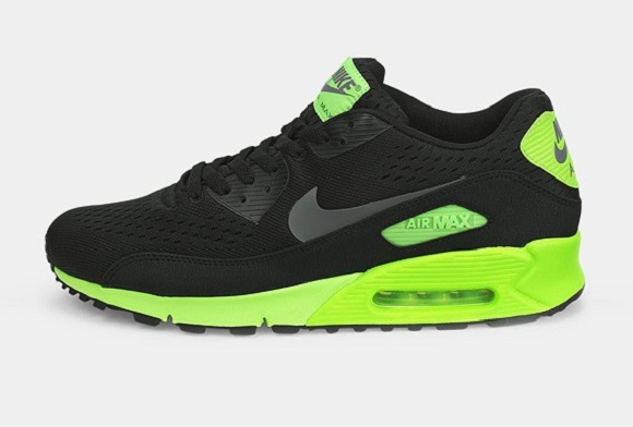 First Look: Nike Air Max 90 Comfort EM
