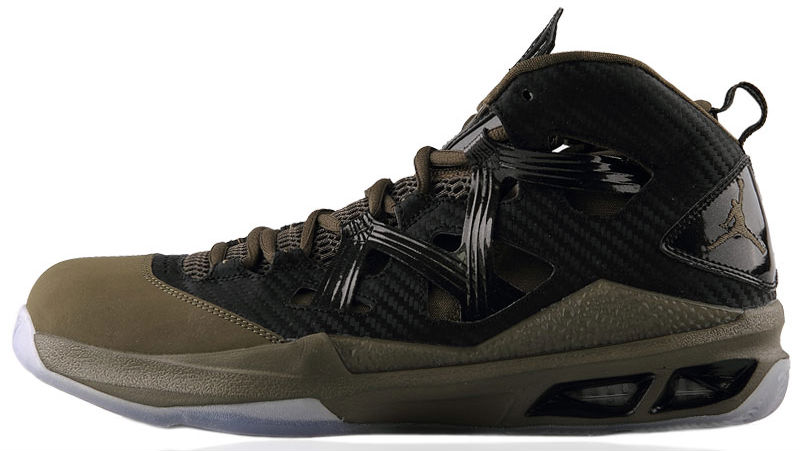 jordan-melo-m9-black-squadron-green-black-1