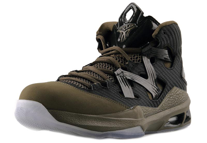 jordan-melo-m9-black-squadron-green-black-2